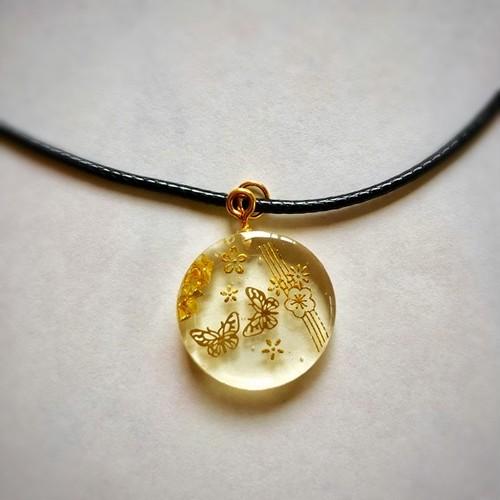 和風チョーカーネックレス 金の蝶々と金の桜 Japanese style choker necklace Gold butterfly and gold cherry blossom