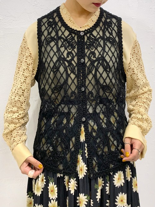 (TOYO) see-through embroidery vest