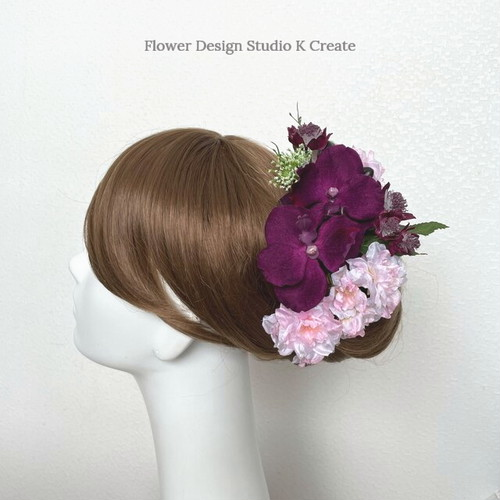 桜と赤紫の胡蝶蘭のヘッドドレス 春色 桜 アーティフィシャルフラワー ワインカラー 赤紫 和装婚 髪飾り コチョウラン 成人式 ヘッドドレス ウェディング