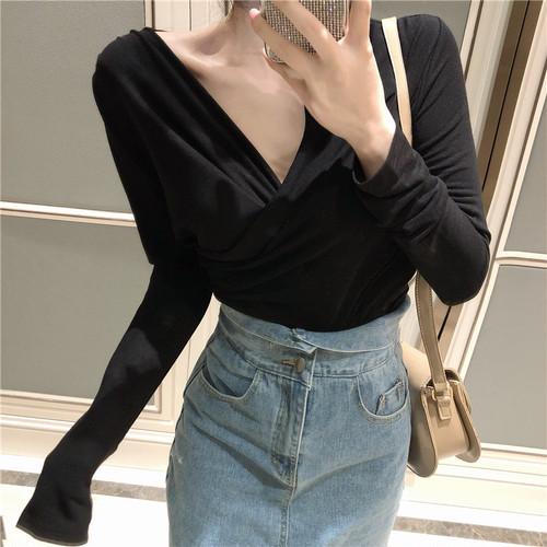 【トップス】韓国版合わせやすいVネックギャザー飾り着やせ見えスリムTシャツ