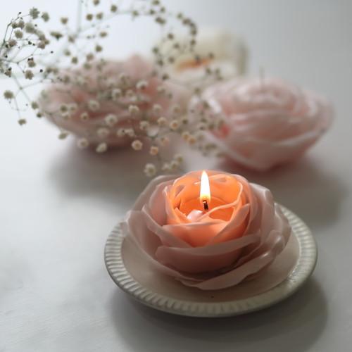 くすみピンクの薔薇キャンドル
