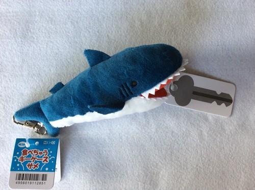 サメ・食べちゃうキーケース