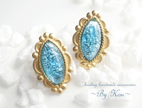 ~§:Decorative:§~ vintage Caribbean blue opal ピアス。