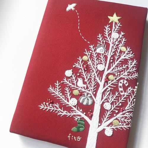 刺繍パネル「クリスマスツリー」ファブリックパネル 手刺繍 インテリア