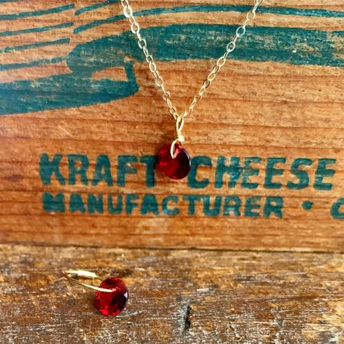 Brilliant cut garnet necklace