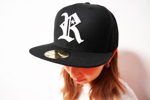 "[予約商品]RAKUGAKI 2020 ""R"" Logo Snap Back Cap Black"