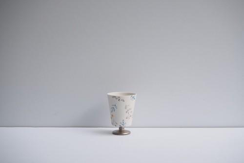矢田久美子 上絵草花づくしゴブレット型茶杯 ①