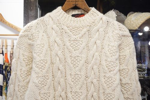 70's cream cable knit Sweater
