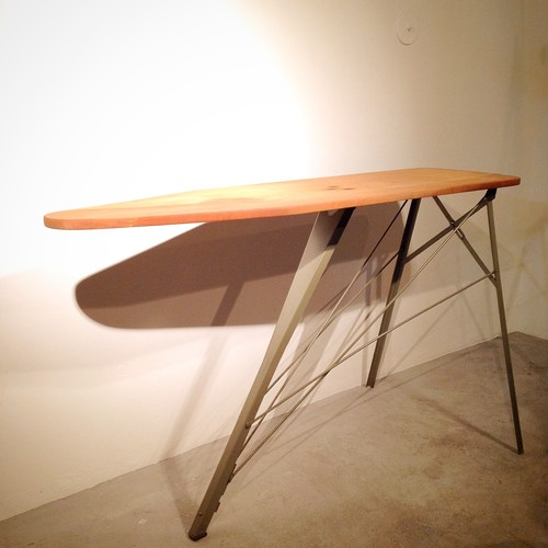 LYON ironing table