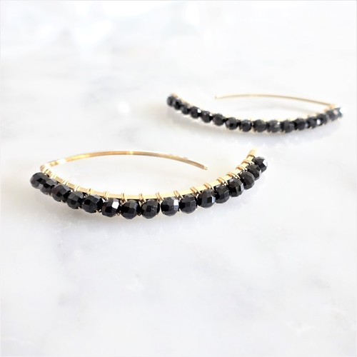 送料無料 14kgf*宝石質Black Spinel wrapped marquis pierced earring