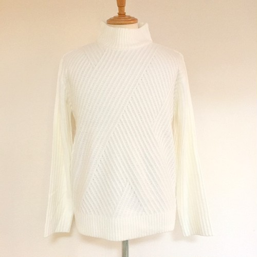 Mole Graphic Pattern High Neck Knit Off White