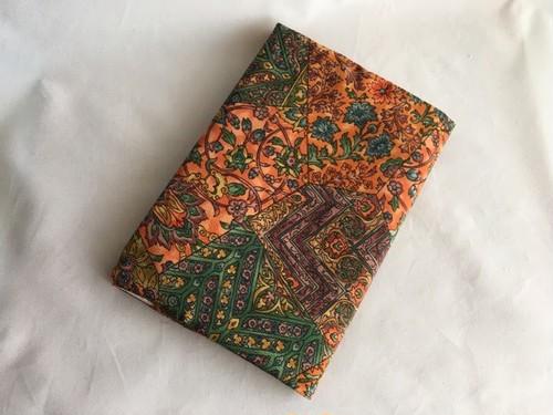 使用浅更紗小紋着物から絹のA5サイズブックカバー