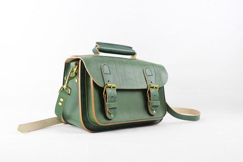 JAPAN LANSUI DESIGN 名入れ対応 ヌメ革手作り手縫い ショルダーバッグ トートバッグ 一眼カメラ入れ 品番HSJEJF738544H34