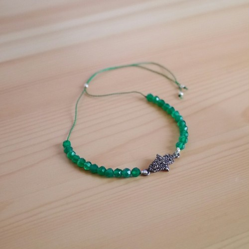 半貴石チャームのブレスレット gem stone charm bracelet