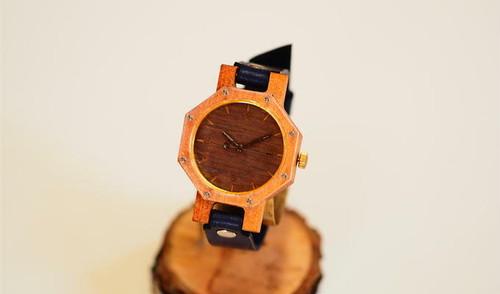 幸福八角形の腕時計