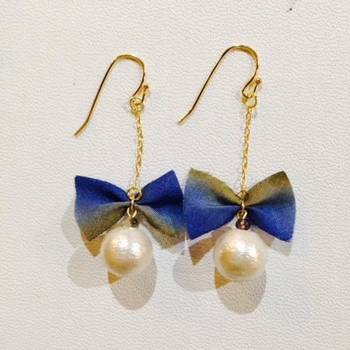 handmade accessory  シルクリボンとコットンパールピアス、イヤリング リボン型