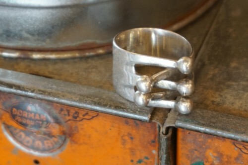 old adjustable fork-style Ring