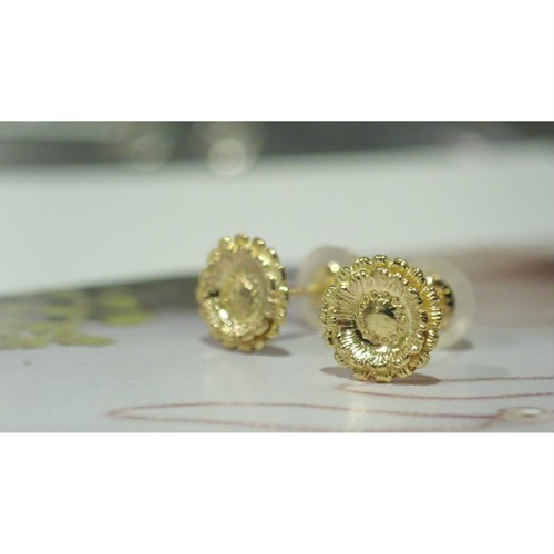 Gerbera K18YG Studs Earrings