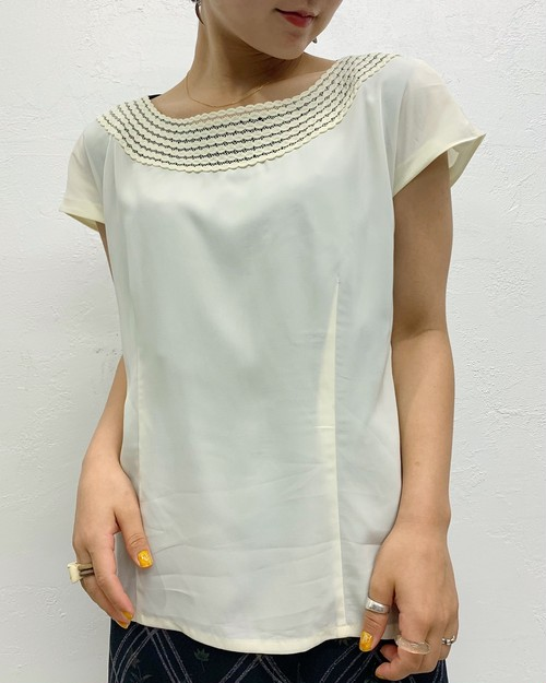 (PAL) lace neck s/s shirt