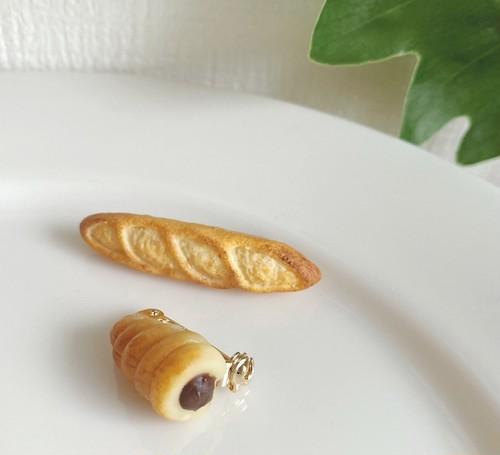 【送料込み】パンブローチ(フランスパン&チョココロネ) artist chiemini!