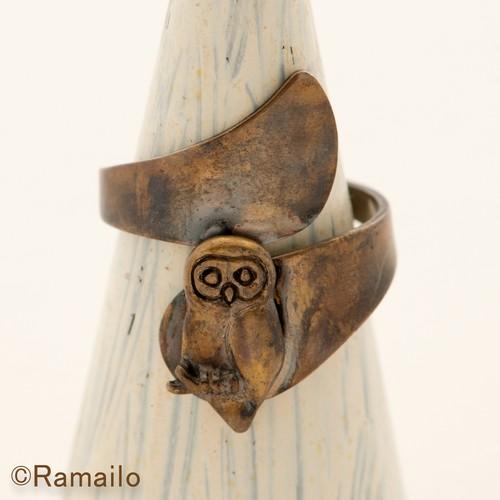 フクロウ螺旋真ちゅうリング