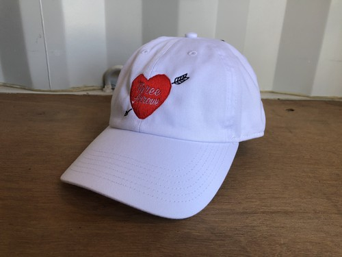ThreeArrows Heart logo CAP (white×red)