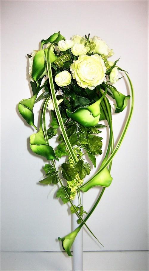 花いずものウェディング キャスケードタイプ(カラーリリー:グリーン)