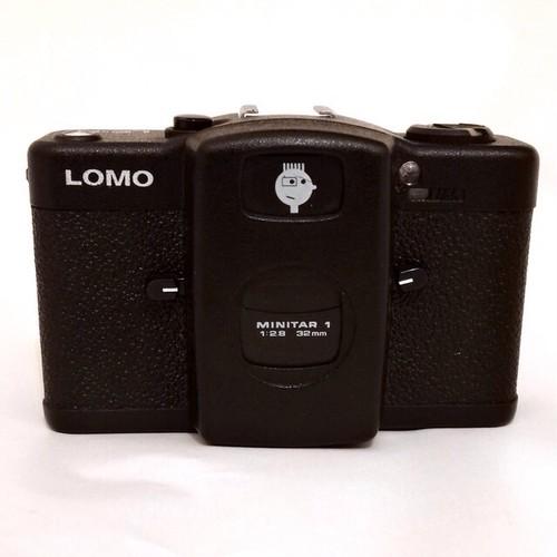 【Lomo LC-A】感性がそのまま反映される楽しさ。(ロシア製・説明書なし)