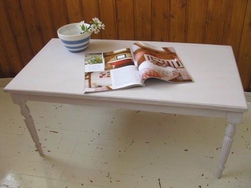 イギリスアンティーク ホワイトペイントローテーブル