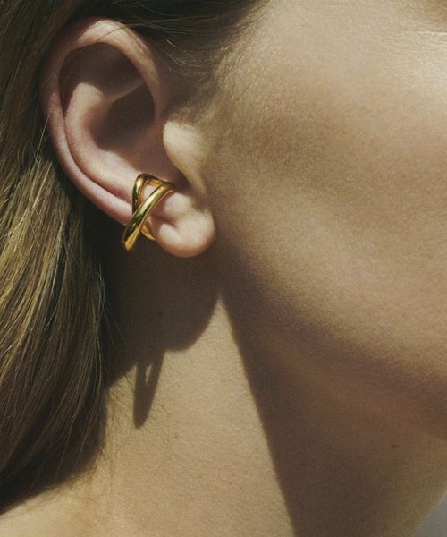Charlotte Chesnais シャルロットシェネ / INITIAL EAR CUFF GOLD