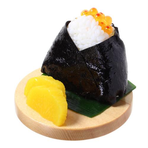 [9002]食品サンプル屋さんのスマホスタンド(おにぎり:いくら)【メール便不可】