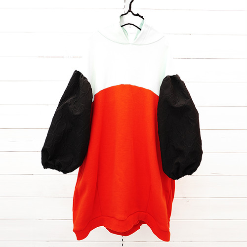 2TONE FOODED SWEAT DRESS -BEAR MT SLEEVES / WOMEN