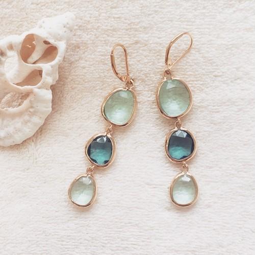 Seaglass pierce / Blue