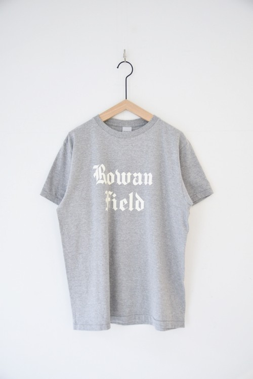 【ORDINARY FITS】PRINT-T ROWAN FIELD/OF-C015