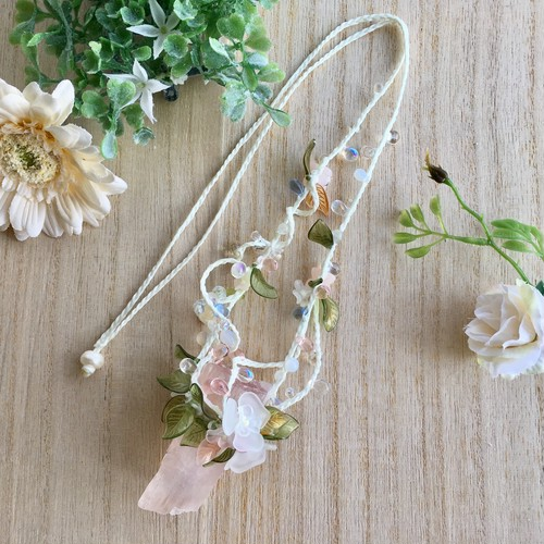 【sold out】アリエルの首飾り (大粒・クンツァイト)