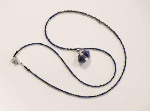 ラピスラズリ(ダブルトップ)のネックレス