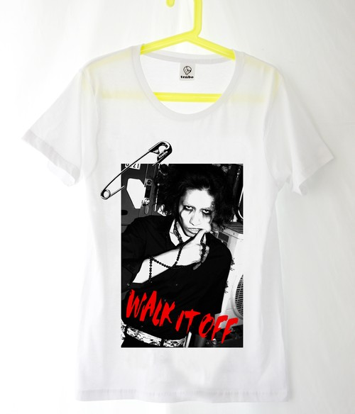 WALK IT OFF. Tシャツ