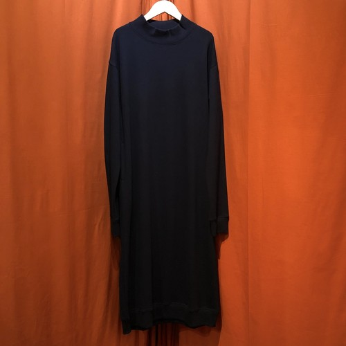 Lilou&Lily : 30/10 CENTRAL SWEAT ONE-PIECE DRESS   Color : Black