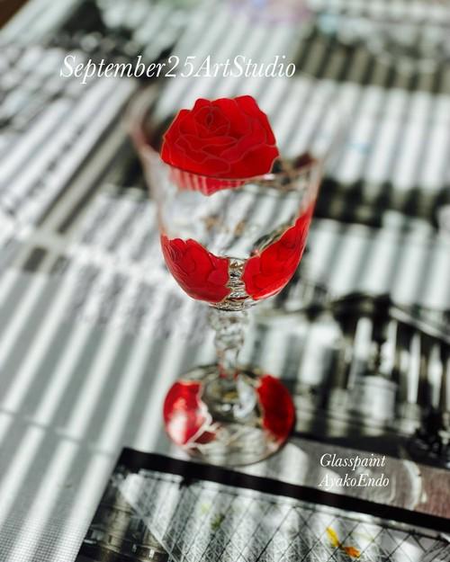 【両親プレゼント・結婚式乾杯記念日グラス・ウェディングギフト・結婚祝い】愛情のバラローズ カラーワイングラス1個|還暦祝い・誕生日プレゼント