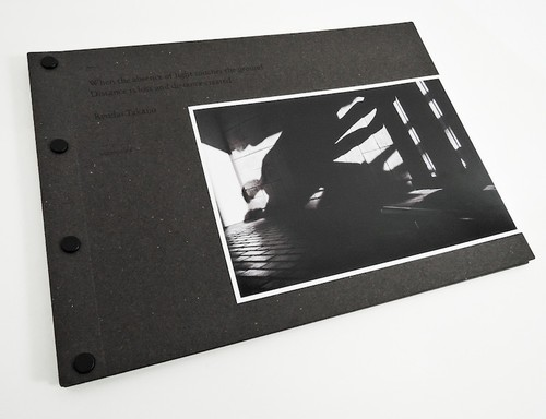 鷹野隆大 写真集 『光の欠落が地面に届くとき 距離が奪われ距離が生まれる』