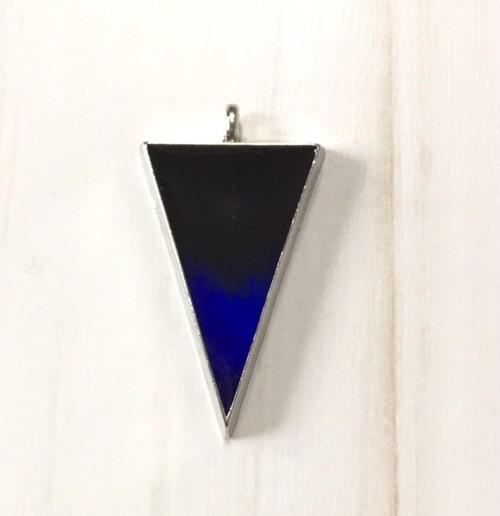 逆二等辺三角形/blue-black