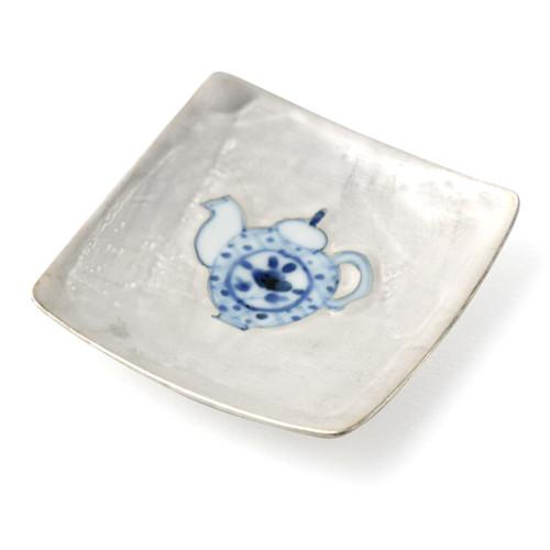 銀彩染付 ポット 9cm角小皿