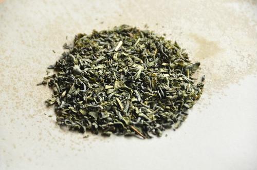 かまいりじまん 赤(水俣 釜炒り茶)/ 華やかな香りと香ばしさ