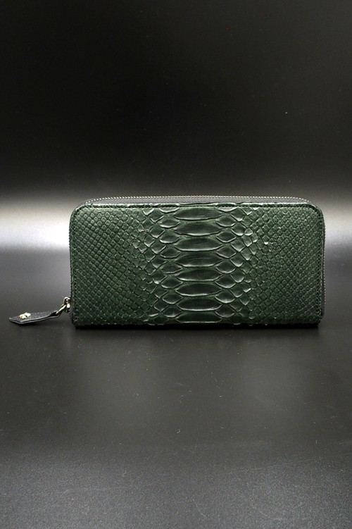 Item No.0293: Round Zip Wallet/Diamond Python Mat Green