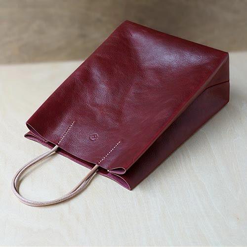 紙袋っぽい革袋S・ボルドー