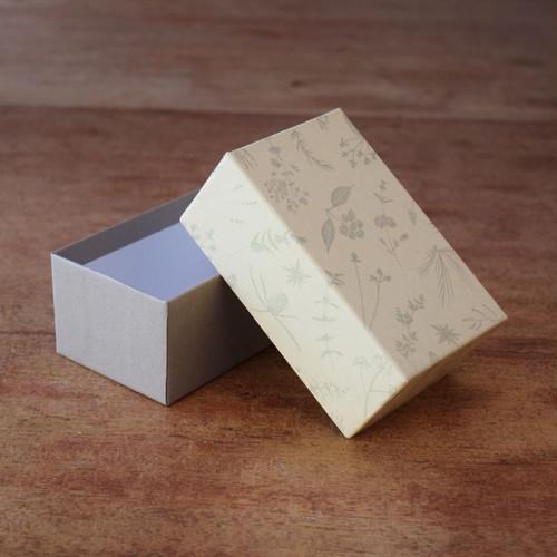 BOX〈小〉ベージュ
