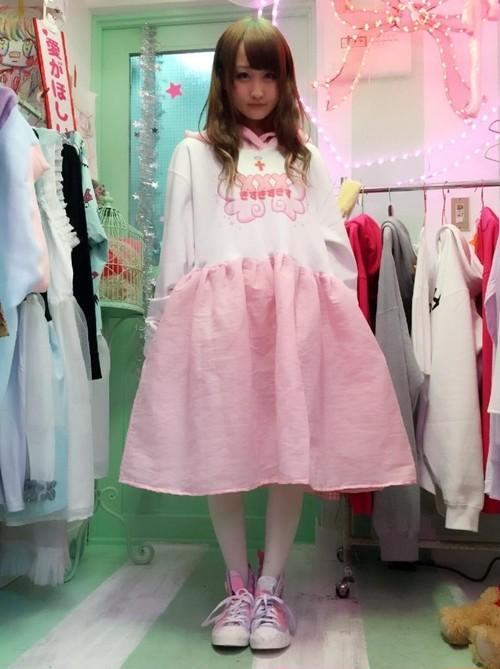 xxx、魔法都市東京、Zzz...トリプルネームドレス
