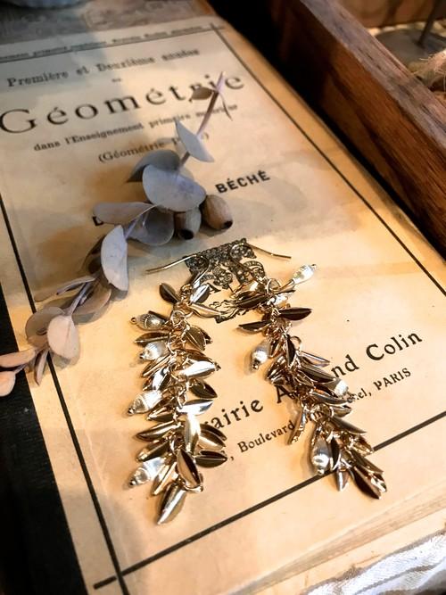 oln / vintage parts&leaf pierce  (レターパックライトOK)