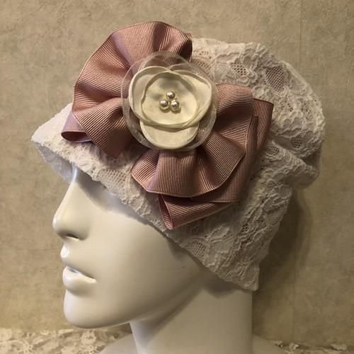 チュールのお花付きフリルリボンのケア帽子 ホワイトレース内側ピンク
