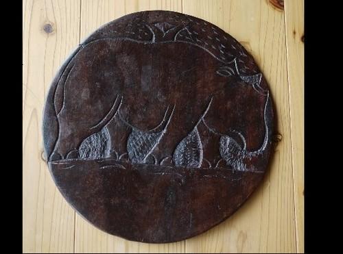 サイのレリーフ 装飾丸盤 アフリカンアート 置台 敷板 唐木紫檀